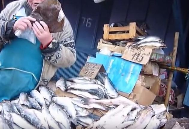 На рынке в Бийске.
